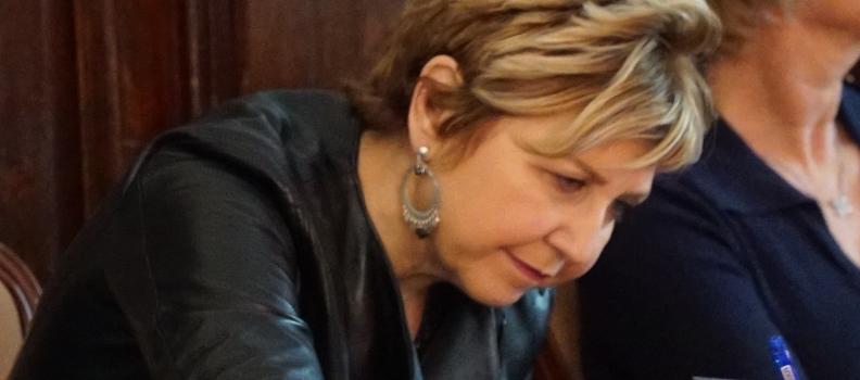 Roselyne (54 ans, France)